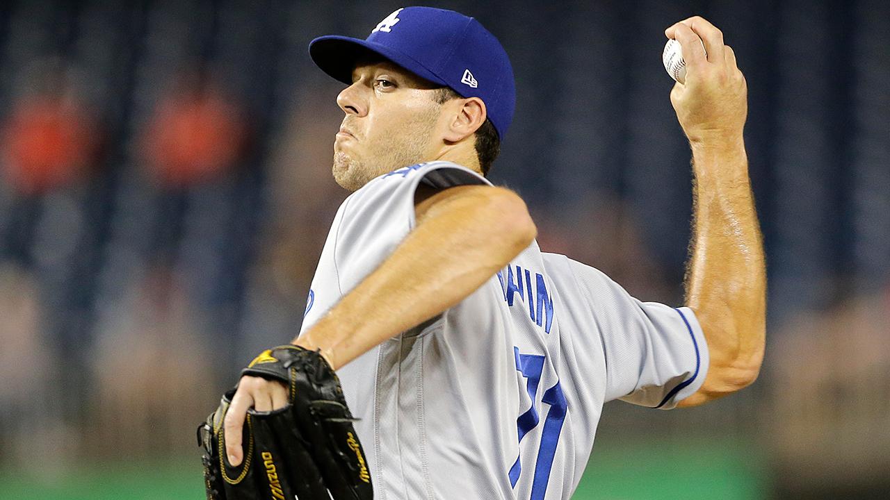 El lanzador Josh Ravin pasa de los Dodgers a los Bravos por dinero en efectivo