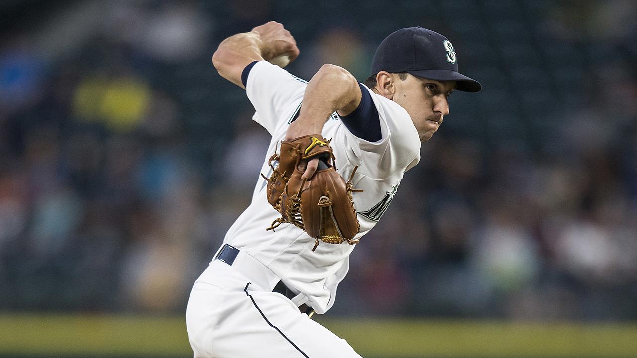 Informe: Dodgers firman al ambidextro Pat Venditte con pacto de ligas menores